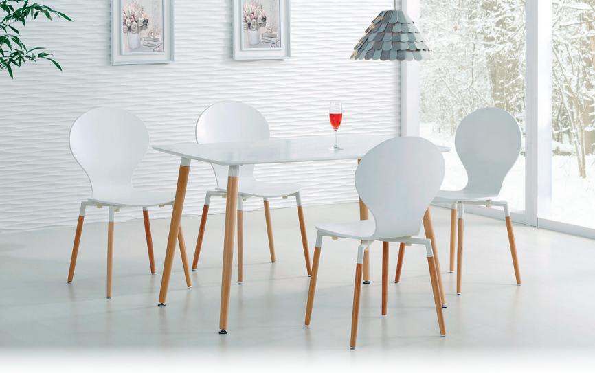 modernus stalas su kėdėmis