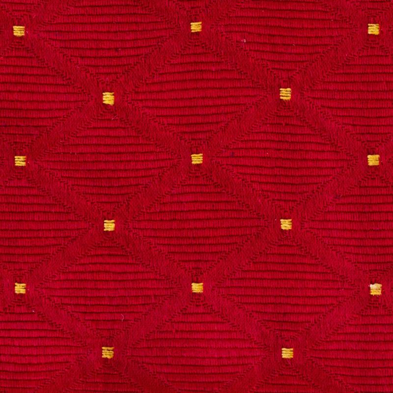 raudona su taškučiais
